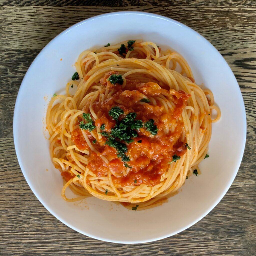 トマトソースパスタの画像